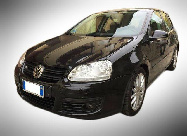 Golf 5 me Qera Tirane - Speed Rental Car, Agjensi makinash me qera, lider ne Tirane per standardet e larta te shërbimit me çmimet më të ulëta.