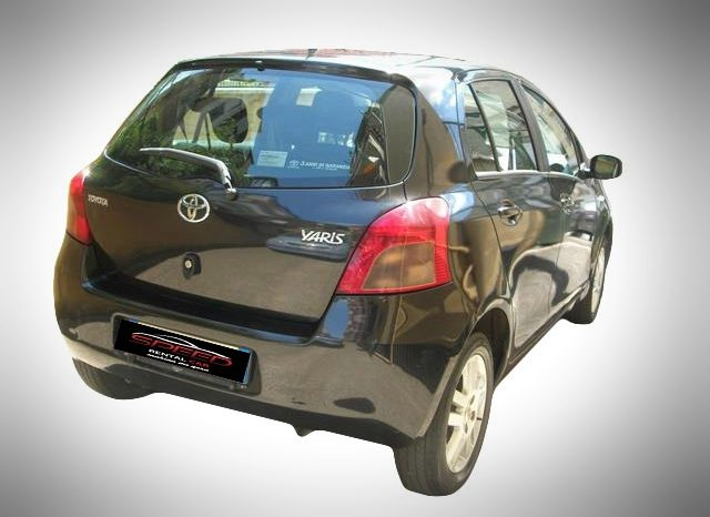 Toyota Yaris full