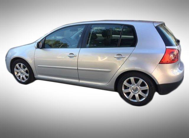 Volkswagen Golf 5 full